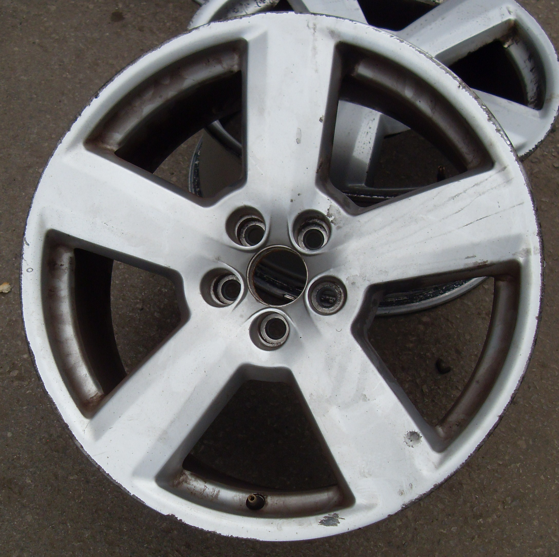 Polish Aluminum Wheels Mirror Finish http://www.pureklas.co.uk/wheels/audi-rs6-style-wheels-fully-refurbished
